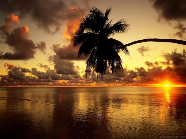 Image: https://lh3.googleusercontent.com/-Ha4NT3o_VI8/T-c2iXcSbWI/AAAAAAAAAA4/jVN6CgwkJPg/s0-d/lagoon-aitutaki-1440x1920.jpg