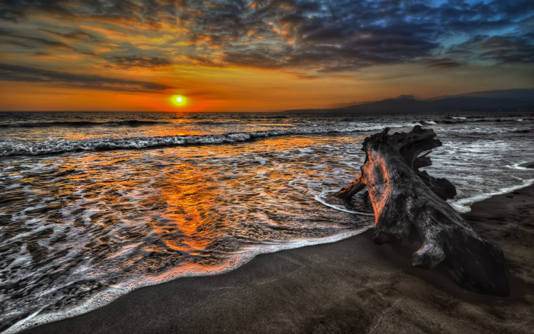 Image: http://topwalls.net/wp-content/uploads/2012/01/sunset-amazing-beach-clouds-nature-ocean-sea-sky-splendor-sunlight-sunset.jpg