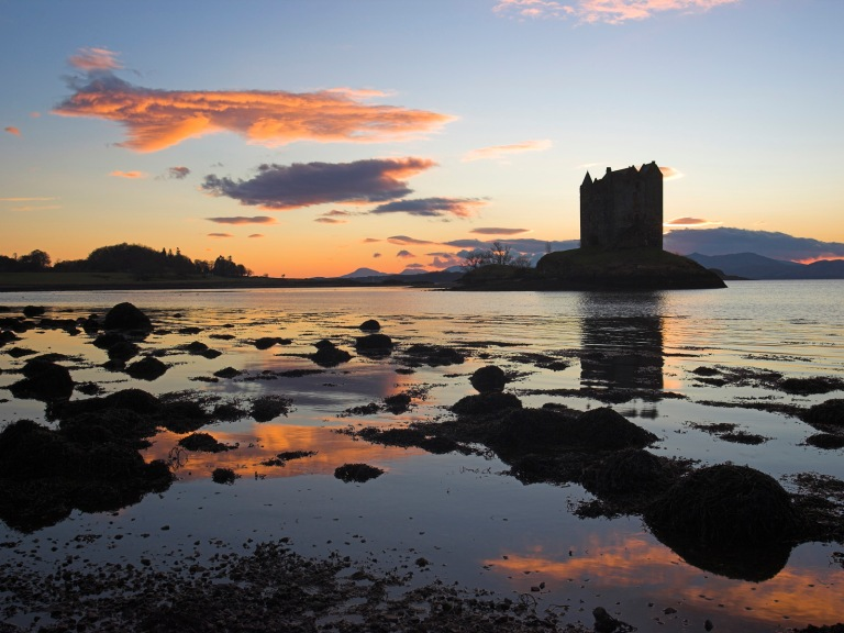 Image: http://safcomclub.com/wp-content/uploads/2013/03/Castle-Stalker-at-Sunset-Port-Appin-Argyll-Scotland.jpg