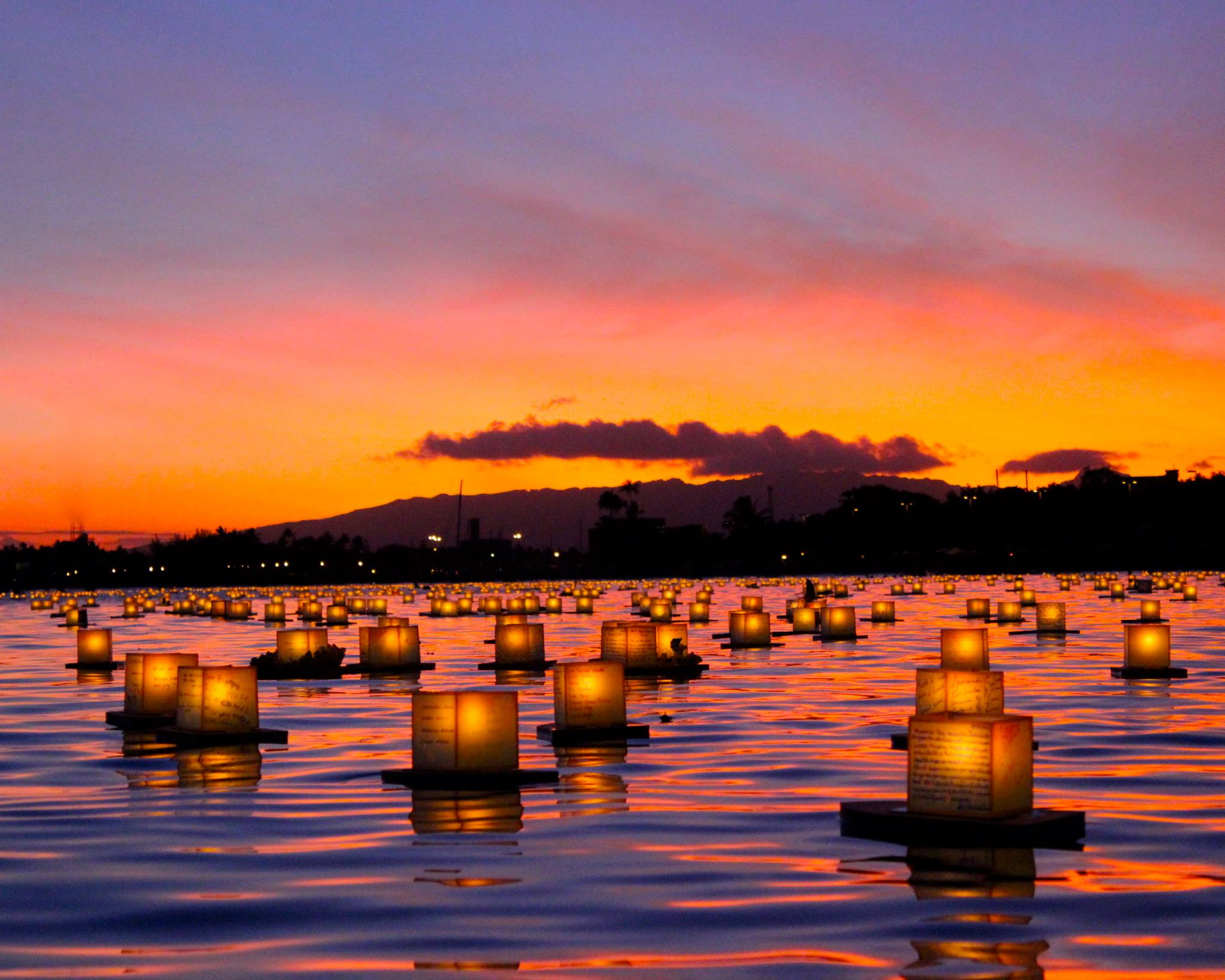 Lanterns Lit In The Harbour Of Waikiki Honolulu Hawaii In Memory Of The Soldiers Who Lost Their Life In Wold War 2 Desktop Background
