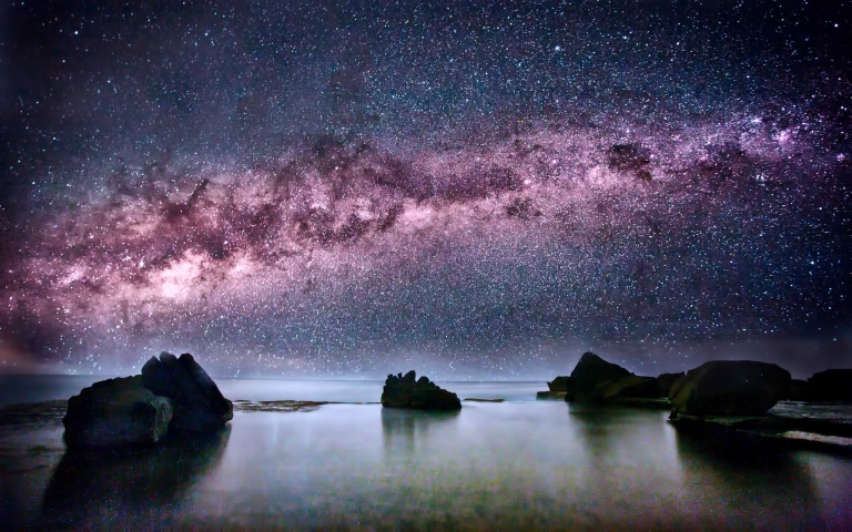 ocean_coast_stars_stones_milky_way_sea_2560x1600_wallpaper_Wallpaper HD_2560x1600_www.paperhi.com