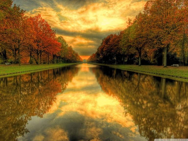 autumn_river-wallpaper-1400x1050