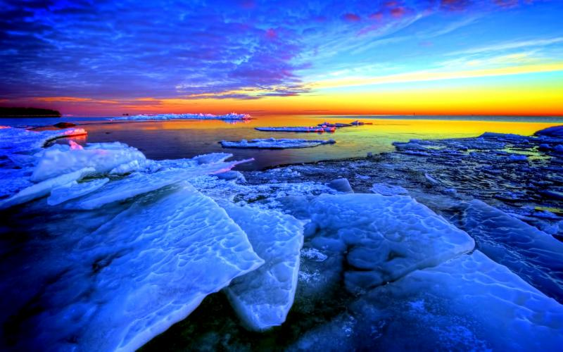 nature-landscapes_widewallpaper_icy-cool-evening_18725