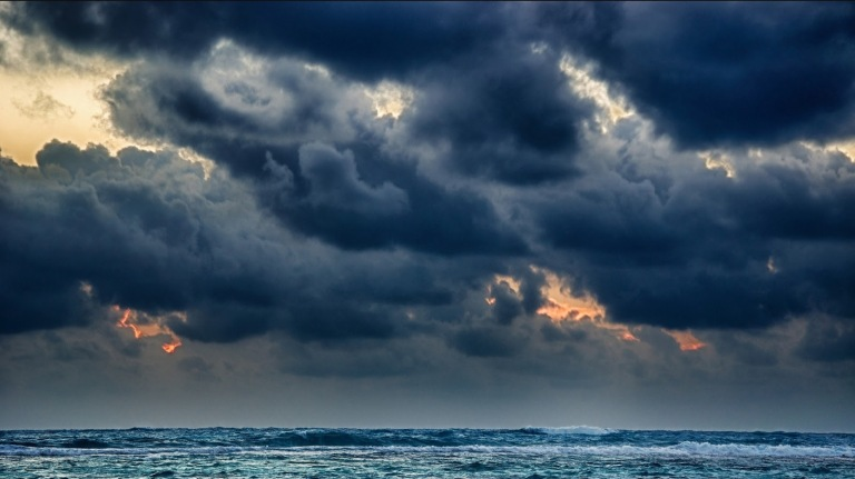 Dark-Ocean-Storm-Waves_HD_Pictures_chillcover.com_
