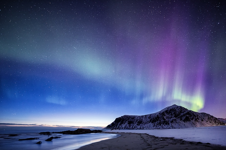 norway-lofoten-flakstad-northern-lights_02