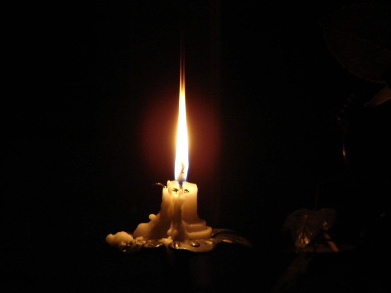 candle-842122500_633d01ee38_b