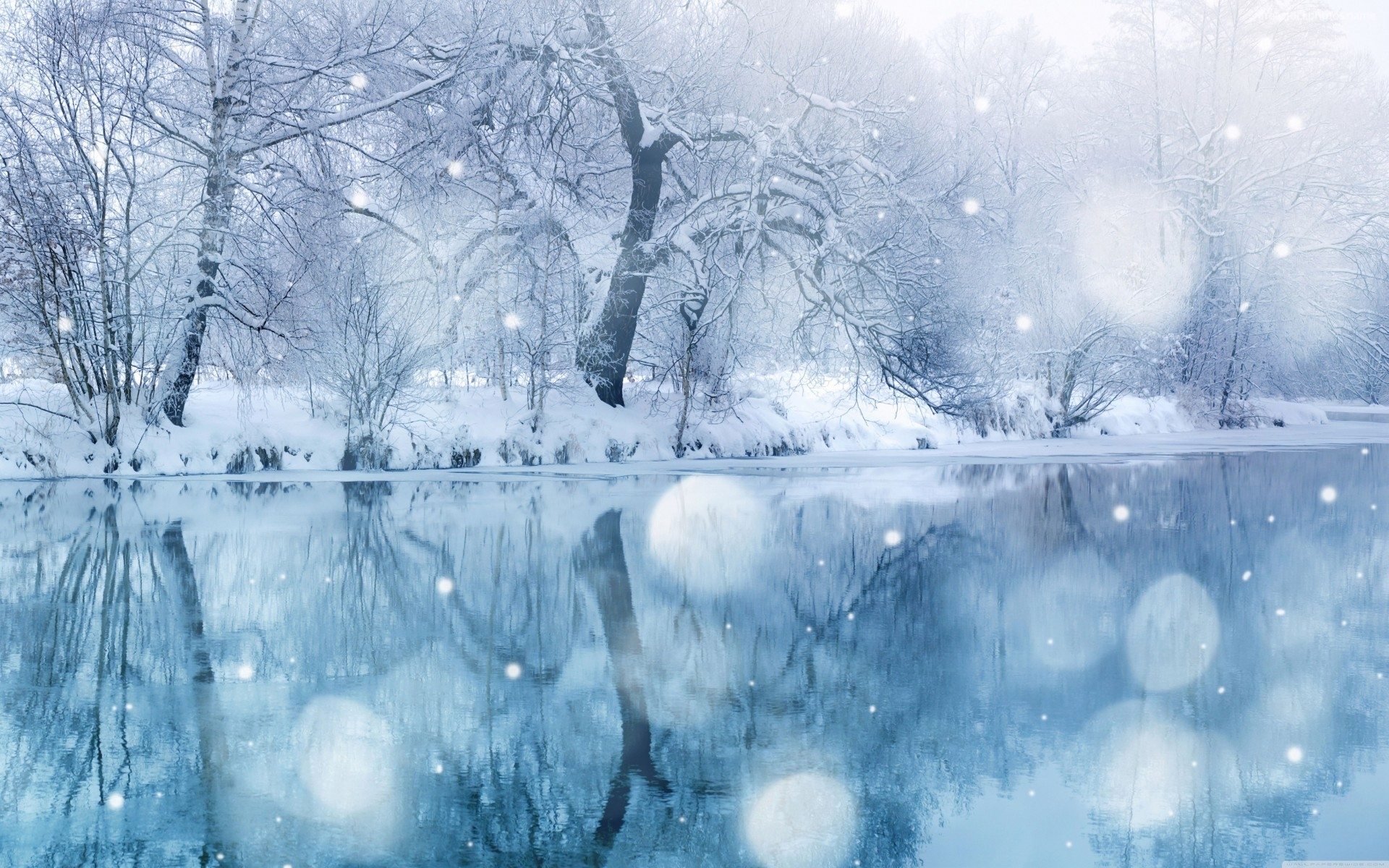 winter-landscape-with-bright-reflections-for-wallpaper-5918