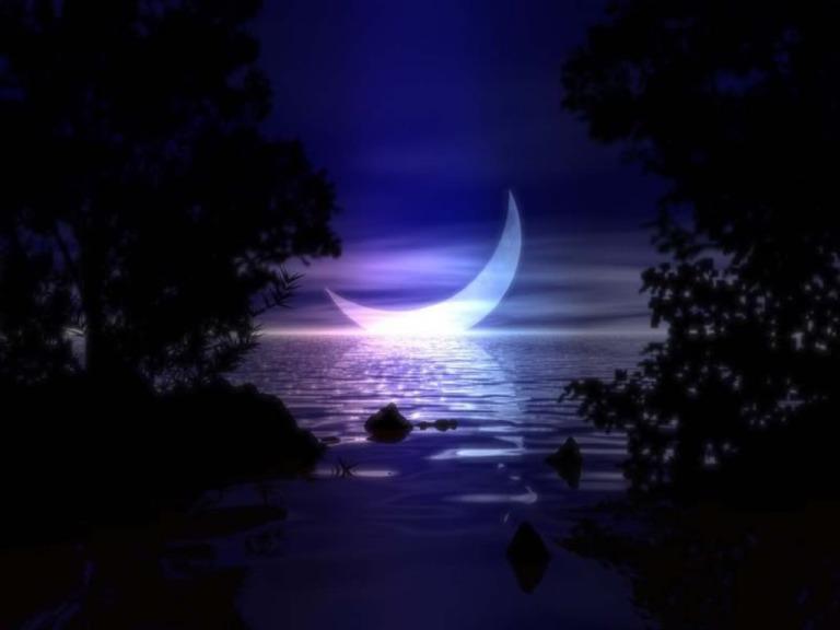 6828223-crescent-moon