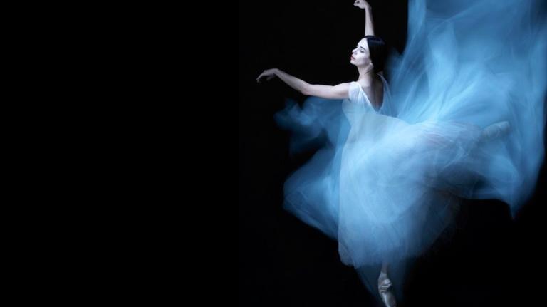 beautiful-ballerina-daydreaming-25371118-1600-900