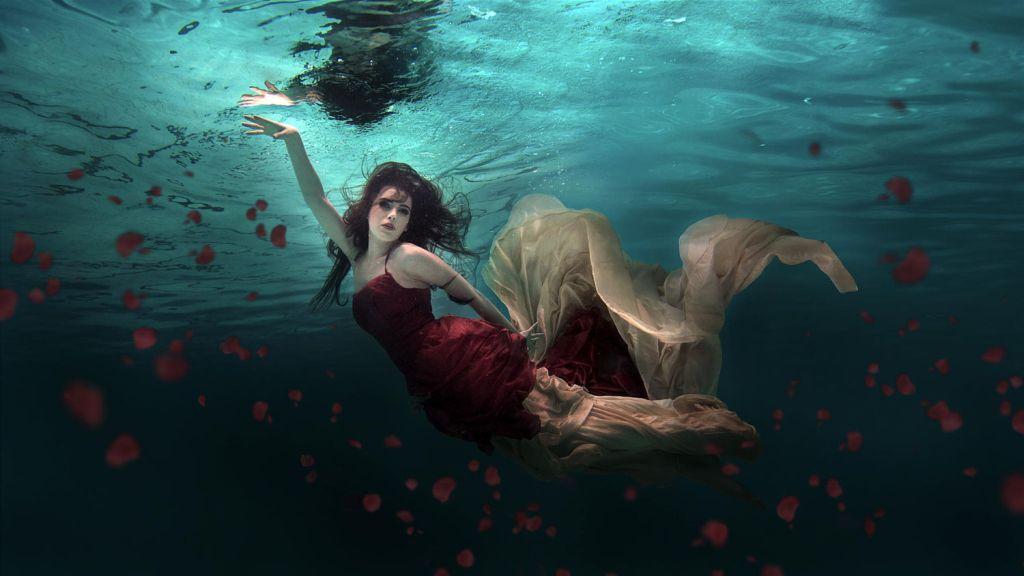 Ocean of Roses by Martha Suherman